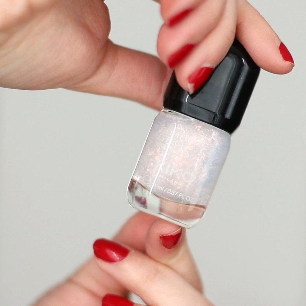 fix chipped nails with glitter polish.jpg